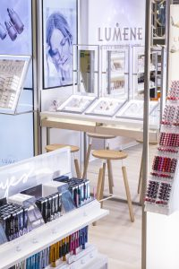 SeeSignage displays in Lumene shop-in-shop